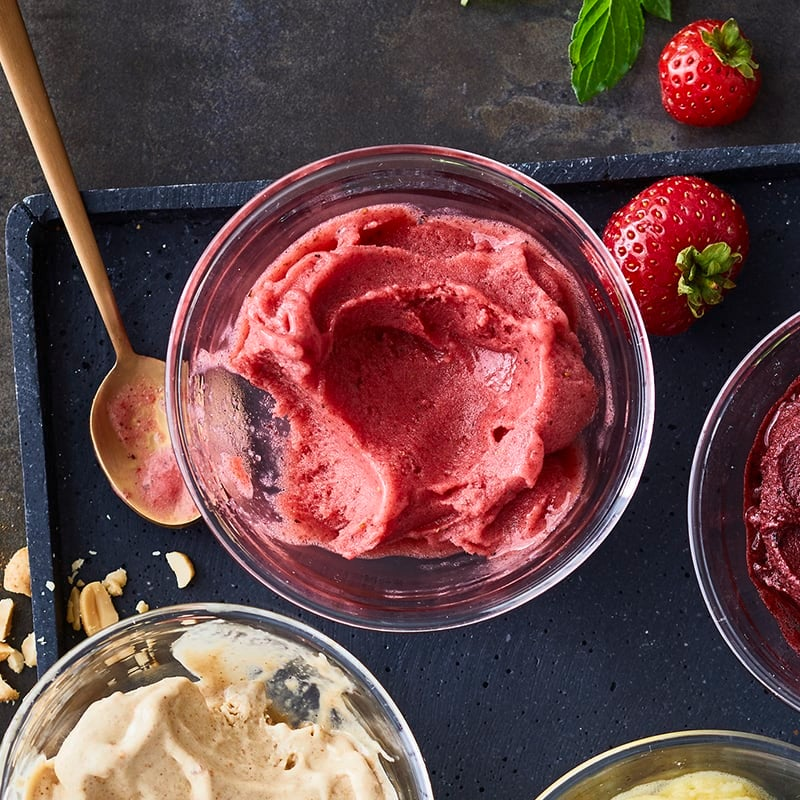 Foto av Nice cream med jordgubbar och mynta från WW ViktVäktarna