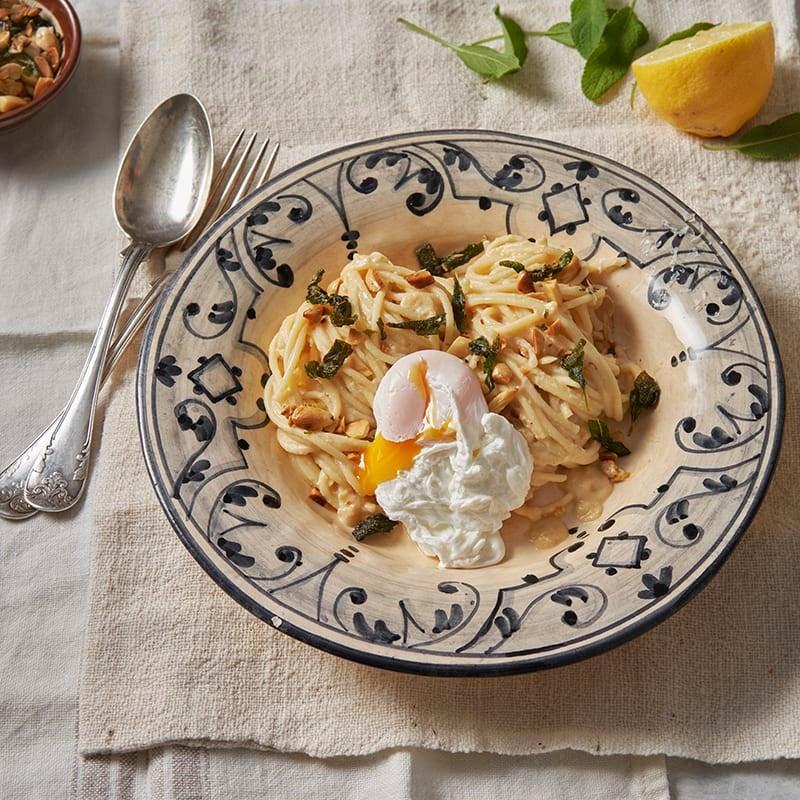 Foto av Krämig citronpasta med pocherat ägg från WW ViktVäktarna