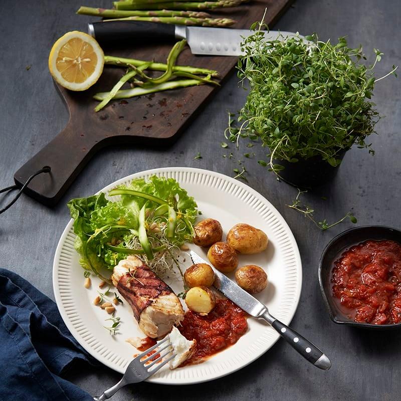 Foto av Baconlindad marulk med grillad potatis och rödvinssås från WW ViktVäktarna