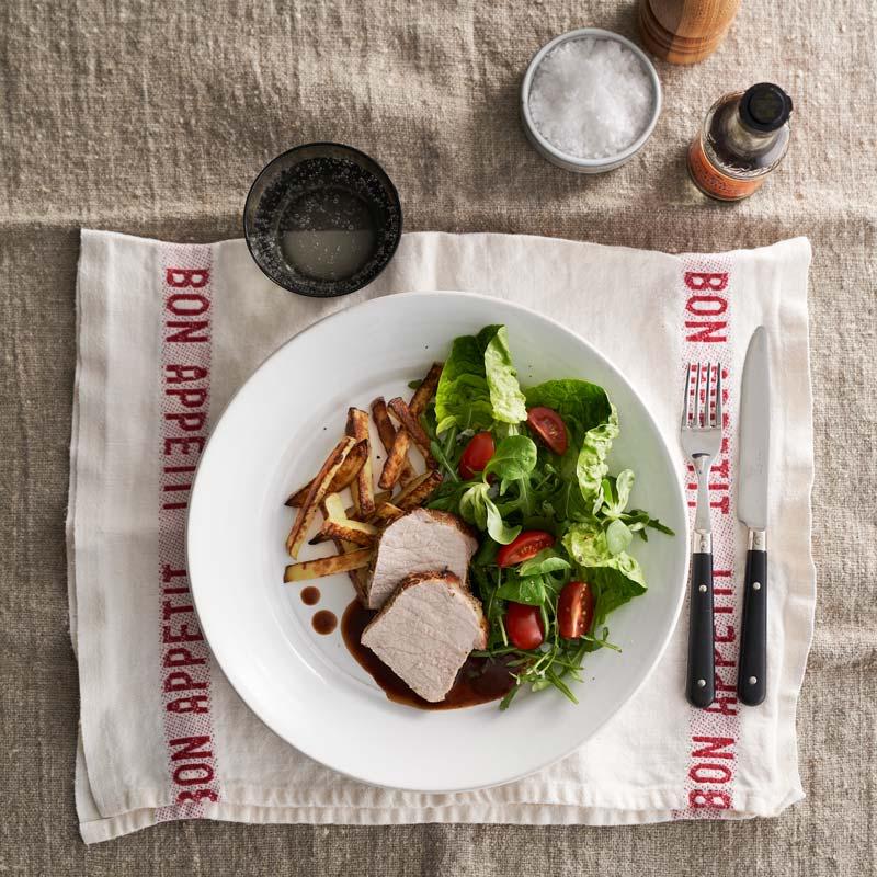Foto av Helstekt fläskytterfilé med hickoryskysås och pommes från WW ViktVäktarna