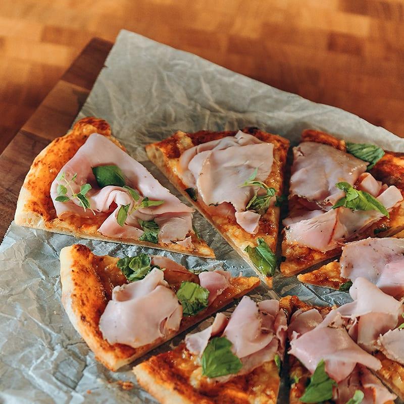 Foto av Amirs långjästa pizza med ost och skinka från WW ViktVäktarna