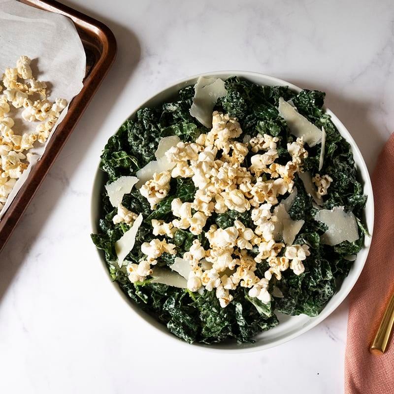 Foto av Svartkålssallad med parmesanpopcorn från WW ViktVäktarna