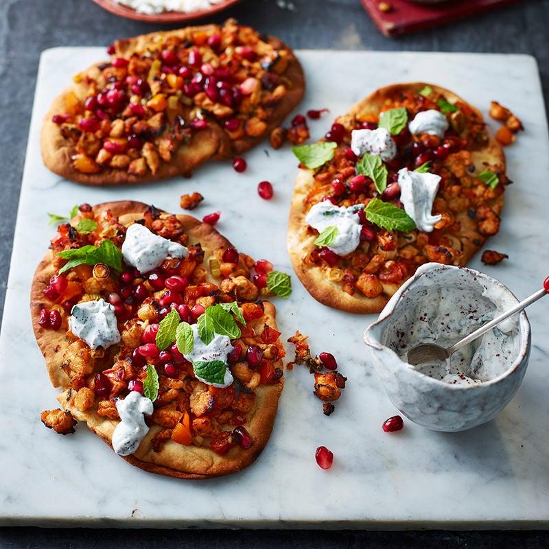 Foto av Naanbrödspizza med kryddig färs och tahiniyoghurt från WW ViktVäktarna