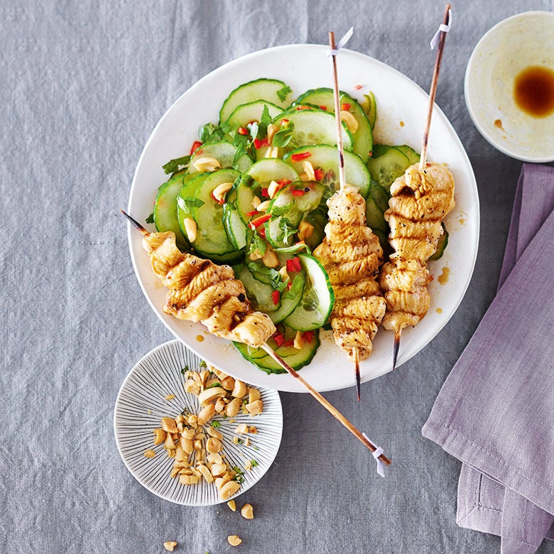 Foto av Limemarinerade kycklingspett med asiatisk gurksallad från WW ViktVäktarna
