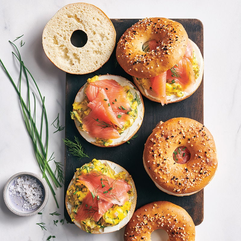Foto av Bagels med äggröra och lax från WW ViktVäktarna