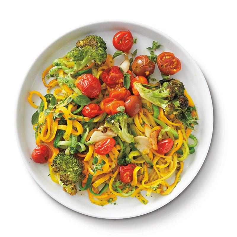 Foto av Zucchininudlar med rostade grönsaker och örtsås från WW ViktVäktarna