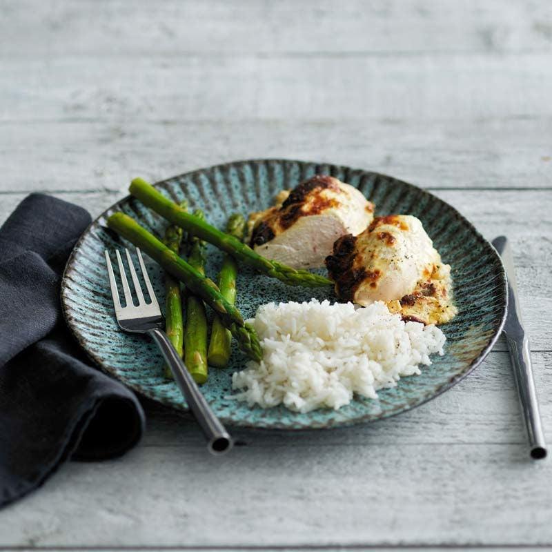 Foto av Ost- och vitlöksgratinerad kyckling med ris från WW ViktVäktarna