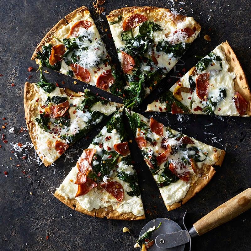 Foto av Ost- och salamipizza med vitlöksspenat från WW ViktVäktarna