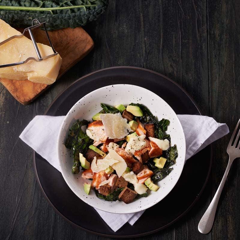 Foto av Laxsallad med grönkål och avokado från WW ViktVäktarna